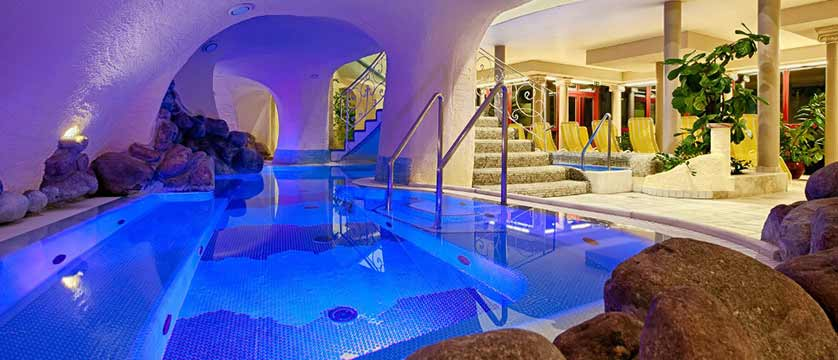 Hotel Pulverer, Bad Kleinkirchheim, Austria - indoor thermal spa pool.jpg